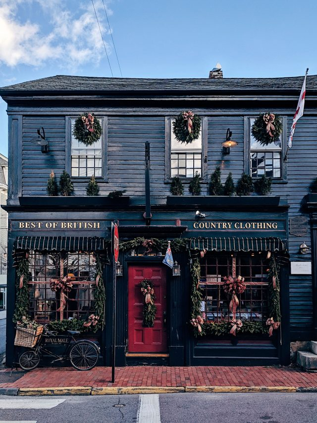 Travel blogger Meaghan Murray shares a city guide for Newport, Rhode Island on her blog The Stopover